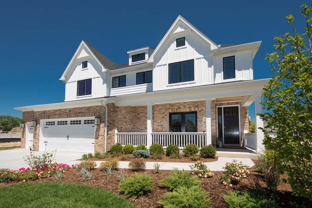 Exterior Shot of Parkside Square Home in Orland Park