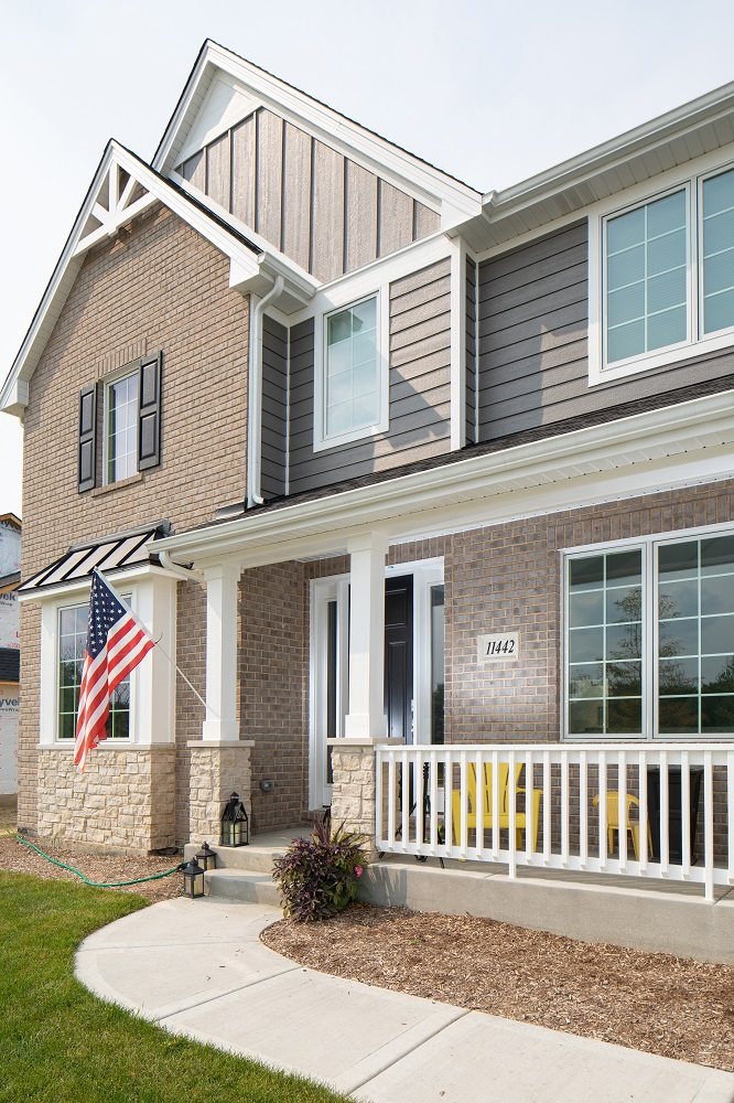 Front Porch of Silverton Home Model in Orland Park